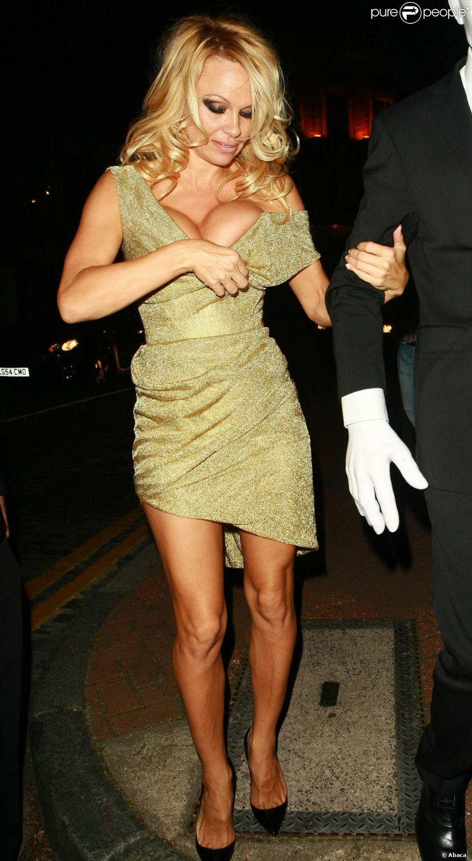 Pamela anderson n 39 a pas les plus beaux genoux du monde - Les plus beaux rideaux du monde ...