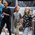 Exclusif - Zahara, Knox et Vivienne Jolie-Pitt rejoignent leur hôtel pendant que leur mère A. Jolie profite pleinement de la Fashion Week de New York, le 13 septembre 2017.