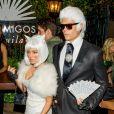 Fergie et son mari Josh Duhamel, en costume Karl Lagerfeld et Chanel, arrivent à la soirée Halloween 'Casamigos Tequila' à Los Angeles, le 30 octobre 2015 @ CPA/Bestimage