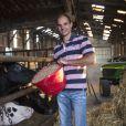 """Charles-Henri, 36 ans, éleveur de vaches et céréalier  - Candidat de """"L'amour est dans le pré 2019""""."""