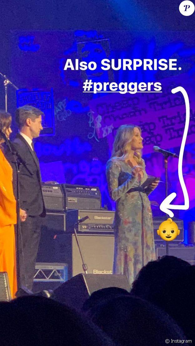 Ashley Hinshaw a annoncé sa grossesse sur Instagram le 5 janvier 2020 en publiant une photographie de son petit babybump.