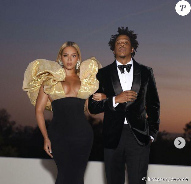 Beyoncé, habillée d'une robe Haute Couture Schiaparelli, assiste aux 77e Golden Globes à l'hôtel Beverly Hilton. Beverly Hills, Los Angeles, le 5 janvier 2020.