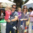 Mark Wahlberg et Rhea Durham avec deux de leurs trois enfants en juin 2009