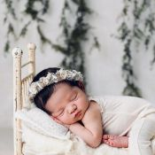 Cassie maman : Elle dévoile le visage de sa fille Frankie pour la première fois
