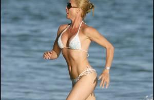 La jolie Nicollette Sheridan en maillot de bain... fête enfin le retour de son chéri !