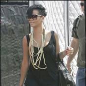 Rihanna : quand elle arrive à New York... ça décoiffe !