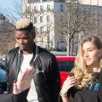 Paul Pogba, en béquilles, et sa femme Maria arrivent au défilé Amiri lors de la Fashion Week Homme de Paris, automne/hiver 2020-2021 le 16 janvier 2020.