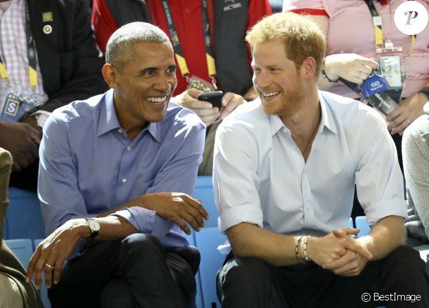 Le prince Harry et Barack Obama dans les tribunes des Invictus Game 2017 à Toronto, le 29 septembre 2017.