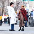 Exclusif - Chloë Sevigny, enceinte, dévoile son baby bump lors d'une sortie avec son compagnon Sinisa Mackovic à New York le 6 janvier 2020. New York, NY - Chloë Sevigny happily shows off her growing baby bump for the first time as she is spotted on a PDA filled stroll with gallery director boyfriend Sinisa Mackovic. The pair put on a very loved up display as they walked through SoHo with the 45 year old actress showing off her growing bump in a fitted sweater dress topped with a plaid coat. Shot on January 6, 202007/01/2020 - New York