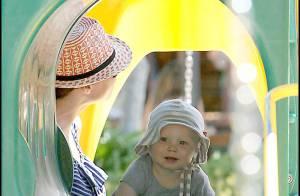 Henry, le fils de Minnie Driver, veut partir à la conquête de Malibu... mais sa mère l'en empêche !