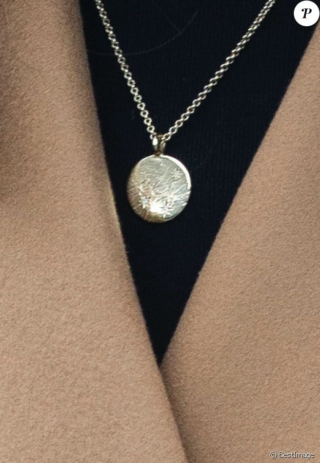 Le collier personnalisé Daniella Draper porté par Kate Middleton à Cardiff, le 22 janvier 2020.