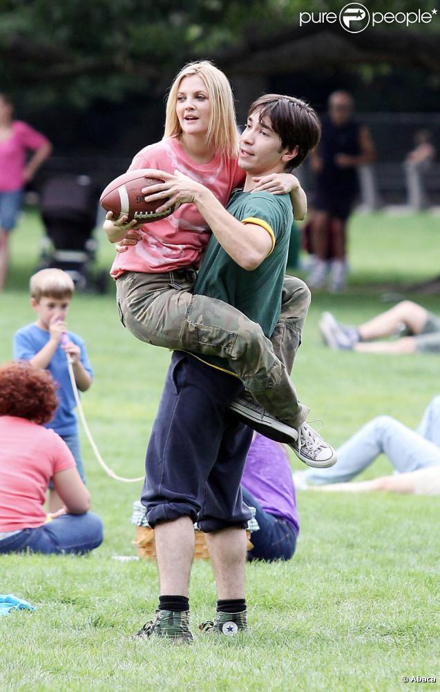 Justin Long et Drew Barrymore sur le tournage de Going the Distance à Central Park, New York le 6 août 2009