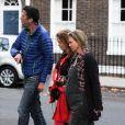 """Renée Zellweger, avec son ventre de grossesse, tourne une scène pour son nouveau film """"Bridget Jones 3"""" à Londres. Le 8 octobre 2015"""