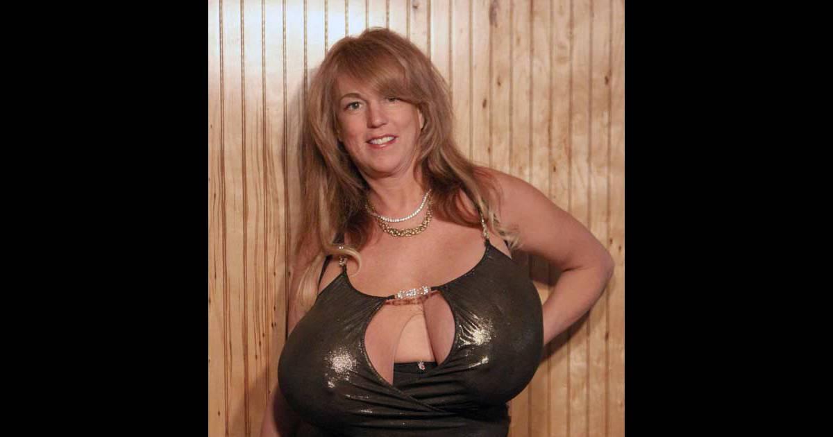 Busty heart poster, bbw bonnie nude