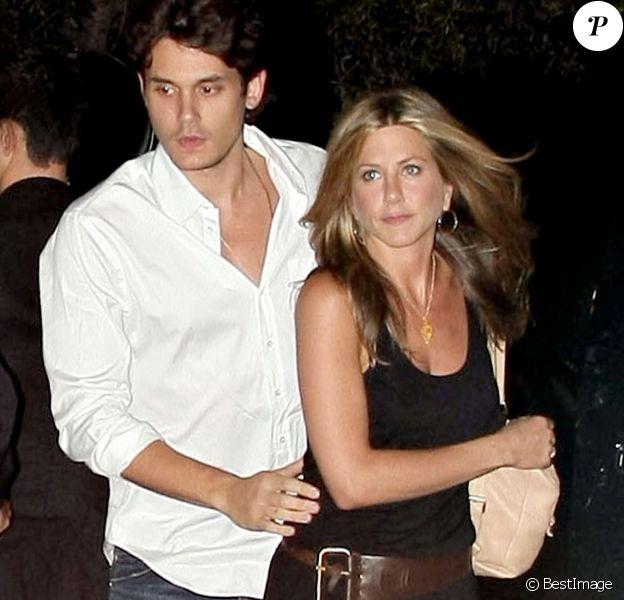 Jennifer Aniston et John Mayer en couple en mai 2008 à Miami au restaurant Nicky pour fin de la tournée promotionnelle du film Marley & Me.
