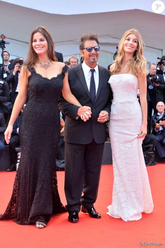 """Al Pacino entouré de sa compagne Lucila Sola et de sa belle-fille Camila Sola - Première du film """"Manglehorn"""" lors du 71ème festival international du film de Venise, la Mostra. Le 30 août 2014"""