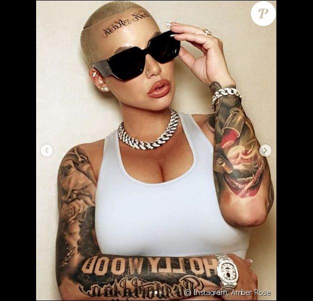 Amber Rose dévoile son nouveau tatouage, sur le front. Février 2020.