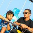 Exclusif - Orlando Bloom et son fils Flynn ont été aperçus au parc d'attraction Malibu Chill Cook-Off à Malibu. Orlando en a profité pour filmer ce beau moment père/fils, le 31 aout 2018.