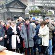 Exclusif - Clémence Bretécher (écharpe rose) - Les obsèques de Claire Bretécher au cimetière de Montmartre à Paris le 15 février 2020.