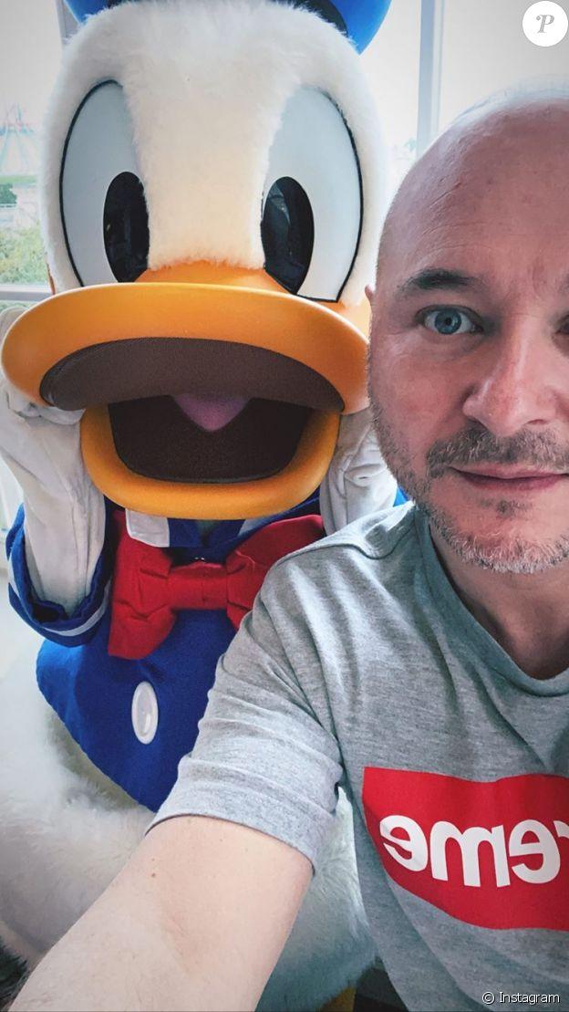 Cauet à Disneyland Paris le 23 février 2020.