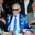 Alain Delon, Michou et Jean-Paul Belmondo - Michou fête ses 85 ans et les 60 ans de son cabaret à Paris le 20 juin 2016.