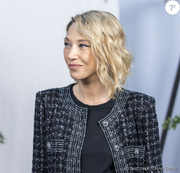 """Laura Smet - Photocall du défilé de mode Haute-Couture printemps-été 2020 """"Chanel"""" à Paris. Le 21 janvier 2020 © Olivier Borde / Bestimage"""