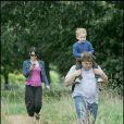 Jack Black avec sa femme Tanya et son fils aîné Samuel à Londres le 15 août 2009
