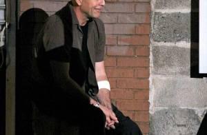 Bruce Willis plus chauve que jamais... se retrouve dans une situation très délicate !
