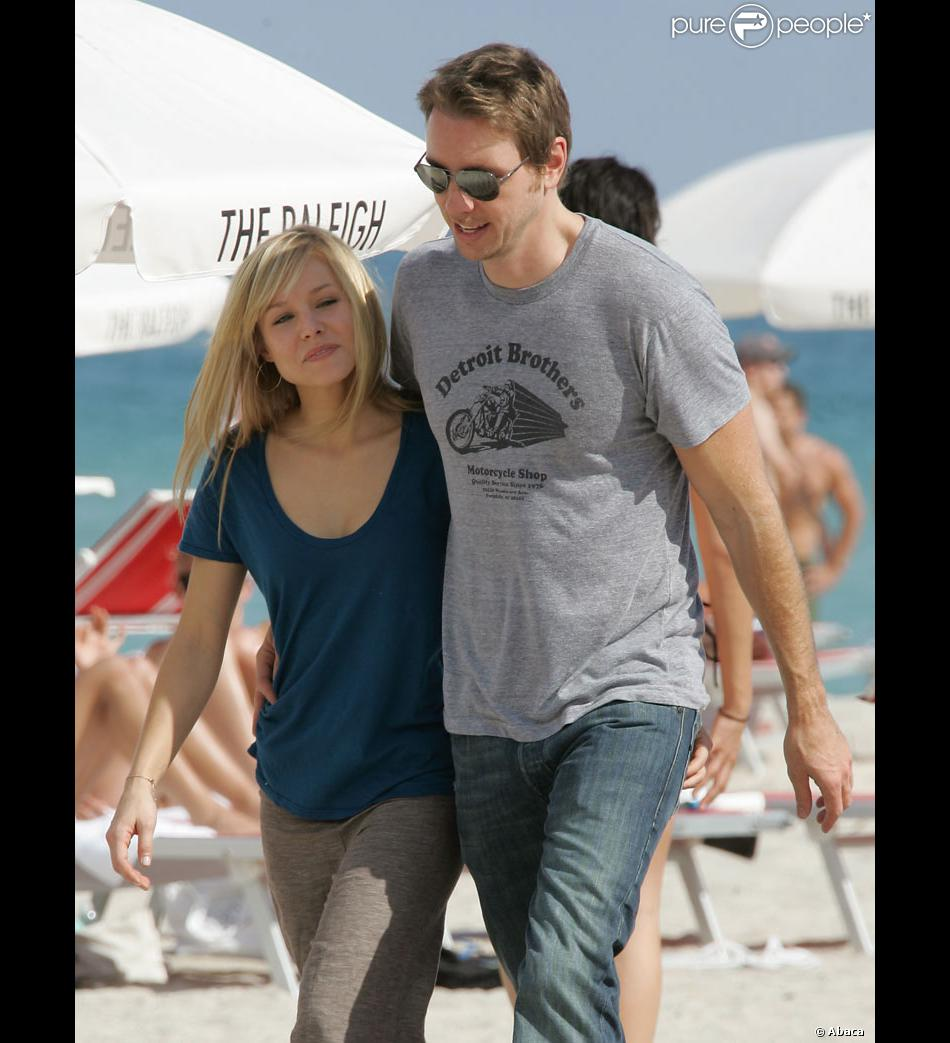 kristen bell et son compagnon dax shepard. Black Bedroom Furniture Sets. Home Design Ideas