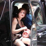 Quand Frances Bean Cobain, fille de Courtney Love et de Kurt Cobain, joue... à cache-cache !