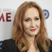 Confinement : J.K. Rowling, l'auteure d'Harry Potter, vient en aide aux parents