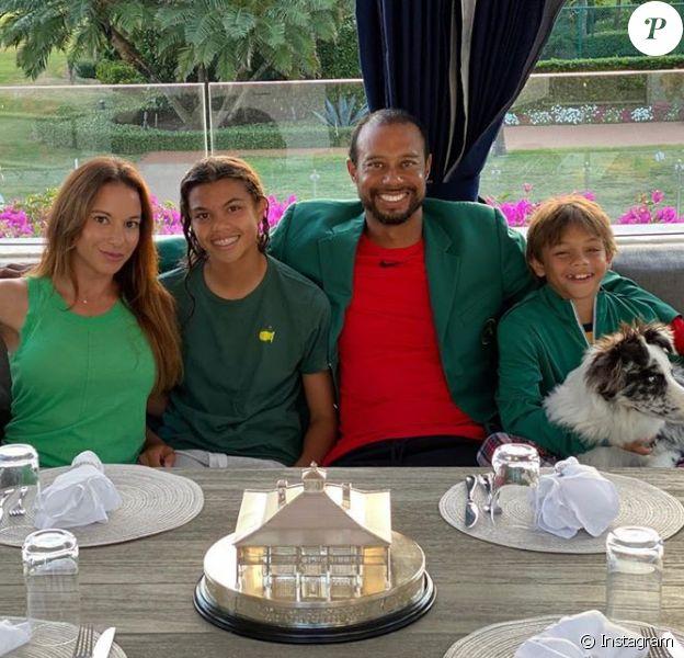 Tiger Woods entouré de sa compagne Erica Herman, sa fille Sam et son fils Charlie en avril 2020 lors du confinement. Photo Instagram.