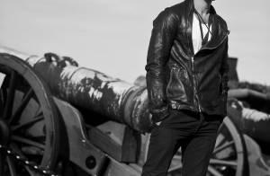 Jude Law se prend pour un top en pleine promo... et c'est sublime !