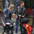 Exclusif - Michael Bublé se balade avec ses enfants Noah, Elias, son nouveau-né Vida et sa femme Luisana dans les rues de Vancouver au Canada, le 11 septembre 2018.