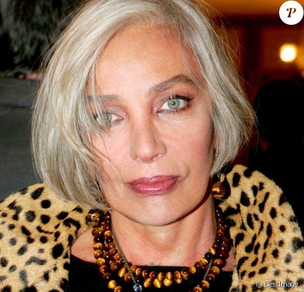 """Marie Laforêt - """"La voix de l'enfant"""" organise une soirée pour l'association """"Dessine-moi un mouton"""". Paris. Le 20 septembre 2004."""