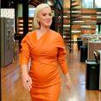 """Katy Perry goûte un plat épicé dans l'émission """"Masterchef"""" à Sydney. Le 14 mai 2020."""