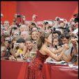 Eva Mendes, sur le tapis rouge du Lido, à l'occasion de la cérémonie d'ouverture de la 66e Mostra de Venise, le 2 septembre 2009 !