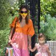 Exclusif - Olivia Wilde dépose sa fille Daisy chez une amie pour une fête d'anniversaire. Los Angeles, le 31 mai 2020.
