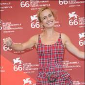 Sandrine Bonnaire et le jury de Venise : l'actrice brille... à la mode écossaise !