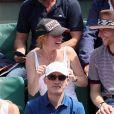 Le chanteur Raphaël, sa compagne Mélanie Thierry - People dans les tribunes des Internationaux de France de Tennis de Roland Garros à Paris. Le 8 juin 2018 © Cyril Moreau / Bestimage