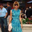 Anna Wintour à l'US Open, le 25 août 2008 à New York ! Mais, mais c'est la robe qu'elle portait à la première de  Sex and The City  ?!! A noter qu'elle l'a aussi en vert...