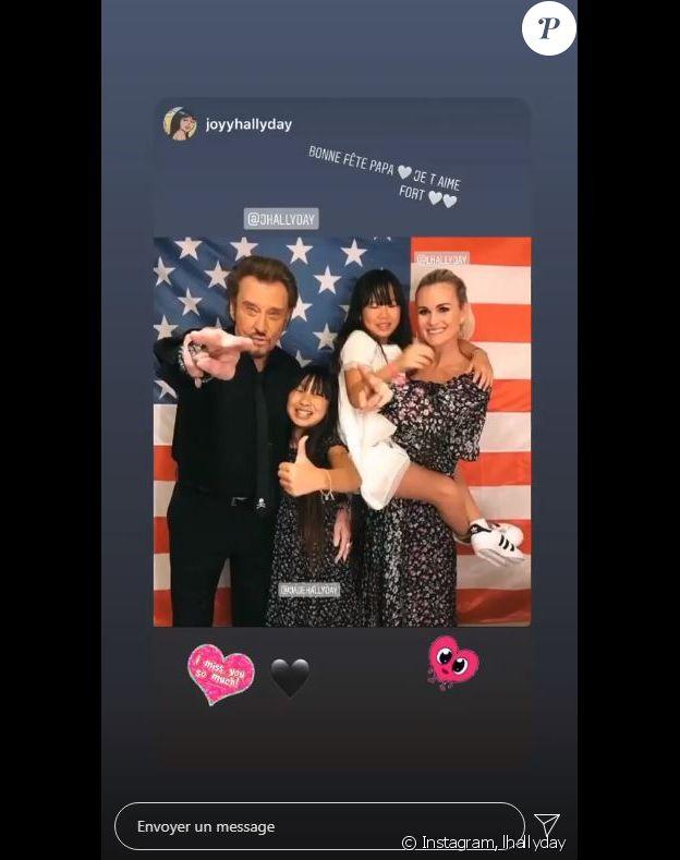 Laeticia Hallyday a republié une photo de sa fille Joy sur Instagram le 21 juin 2020, fêtant la fête des Pères à son papa disparu, Johnny.