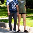 Exclusif - Sophie Turner, enceinte, et son mari Joe Jonas se baladent à Los Angeles. Le 24 juin 2020.