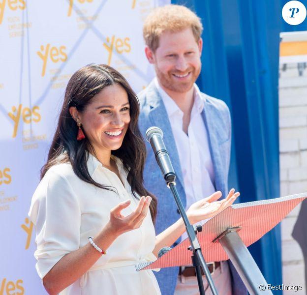 """Le prince Harry, duc de Sussex, et Meghan Markle, duchesse de Sussex, visite l'association """"Yes"""" (Youth Employment Service) qui oeuvre pour résoudre le problème du chômage des jeunes en Afrique du Sud. Johannesburg, le 2 octobre 2019."""