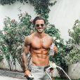 Benjamin Samat (Les Marseillais) dévoile ses abdos sur Instagram - juin 2020