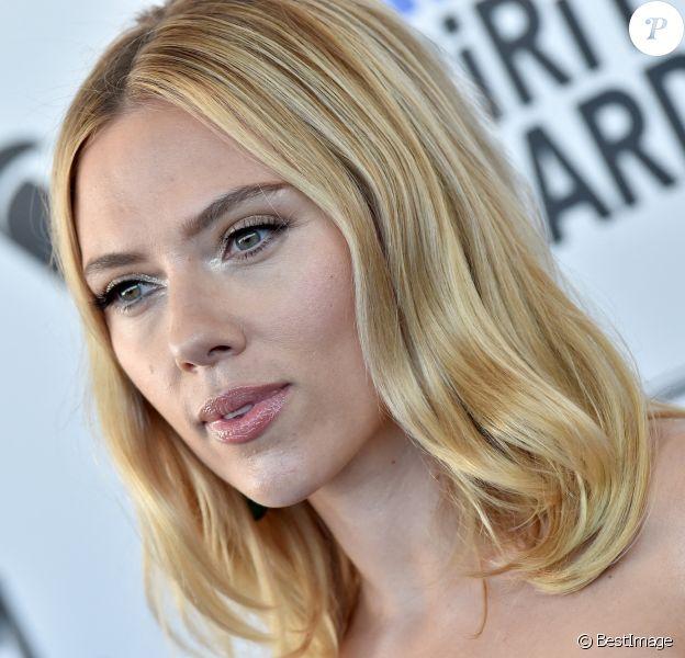 Scarlett Johansson au photocall de la soirée de la 35e édition des Film Independant Spirit Awards à Los Angeles le 8 février 2020.