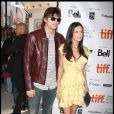 Ashton Kutcher et la belle Demi Moore, à l'occasion de la présentation de  The Joneses , au Festival International du Film de Toronto, le 13 septembre 2009 !