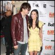 Le charmant Ashton Kutcher et Demi Moore, à l'occasion de la présentation de  The Joneses , au Festival International du Film de Toronto, le 13 septembre 2009 !