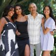 Michelle et Barack Obama avec leurs filles Malia et Sasha sur Instagram, le 27 novembre 2019.