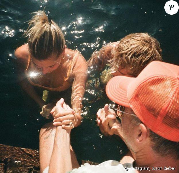 Justin Bieber et son épouse Hailey Baldwin se sont fait baptiser. Août 2020.